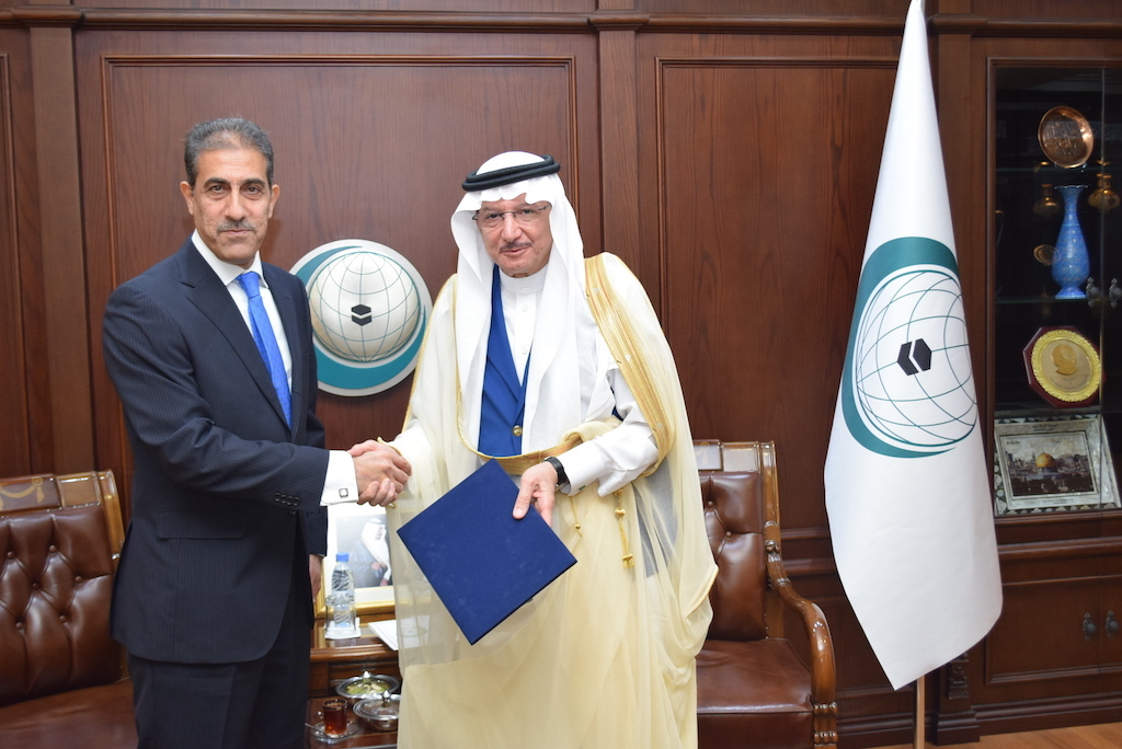 Presentation of Credentials of the Iraqi Consul to the OIC Secretary General DSC_0018